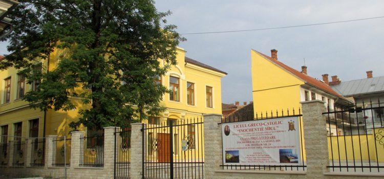 Senatorul USR Mihai Goțiu i-a solicitat explicații oficiale ministrului Educației, Liviu Pop, în cazul liceenilor trimiși acasă pentru că aveau părul lung